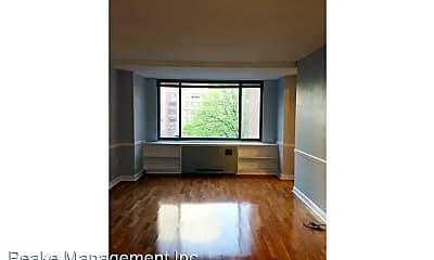 Living Room, 1111 Arlington Blvd, 2