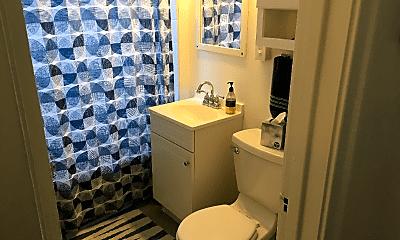 Bathroom, 916 Ashland Ave, 2