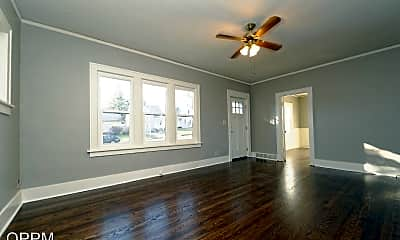 Living Room, 4840 Erskine St, 1