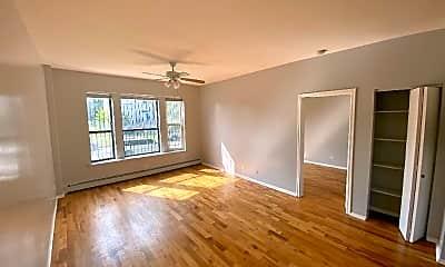 Living Room, 5957 S Calumet Ave, 1