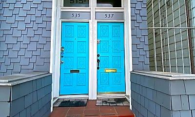 Building, 537 Oak St, 1