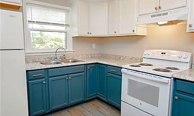 Kitchen, 631 Quincy St B, 1