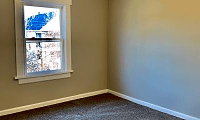 Bedroom, 3315 Woodbridge Ave, 2