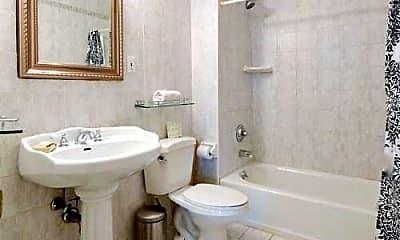 Bathroom, 28 E 14th St, 2
