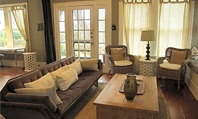 Living Room, 603 Barton Blvd, 1