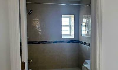 Bathroom, 103 Victory Blvd, 2