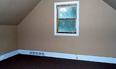 Living Room, 404 W Market St, 2