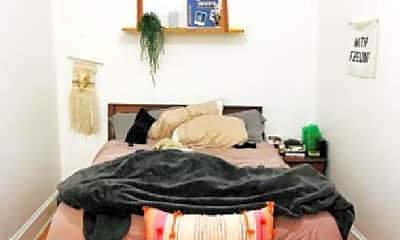 Bedroom, 1425 N Maplewood Ave, 1