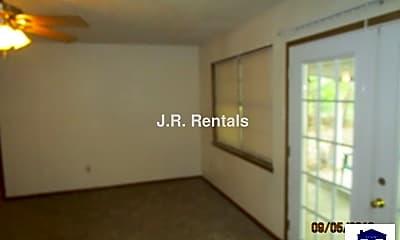 Living Room, 928 Randa St, 2