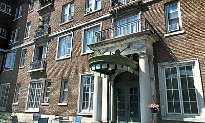 Fairfield Manor, 1