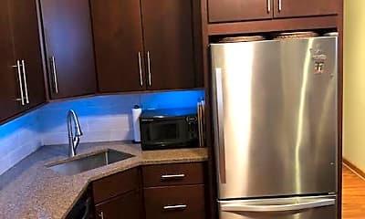 Kitchen, 2132 W Ohio St Unit 1, 1
