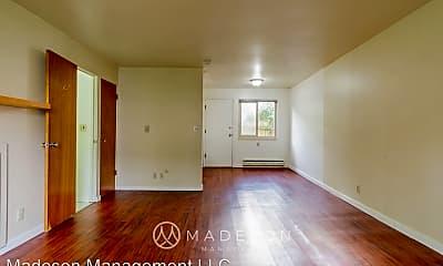Living Room, 3615 NE 73rd Pl, 0