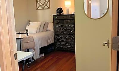 Bedroom, 2255 S Mound St, 1