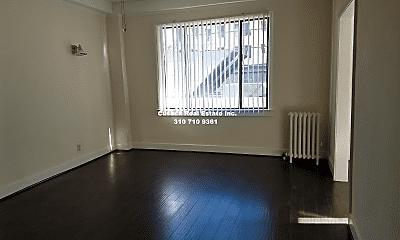 Living Room, 621 S Gramercy Pl, 2
