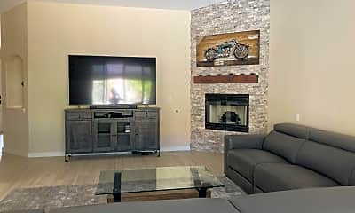 Living Room, 2317 E Chelsea St, 1