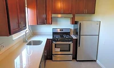 Kitchen, 1132 Parker St, 1