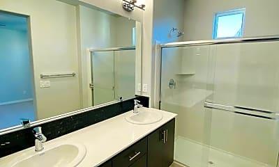 Bathroom, 4535 Ocean Ln, 2
