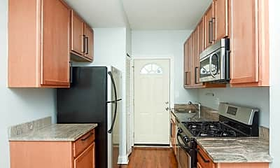 Kitchen, 2005 W Jarvis Ave, 1