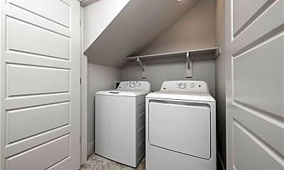 Bathroom, 1514 N Gregg Ave 1514, 2