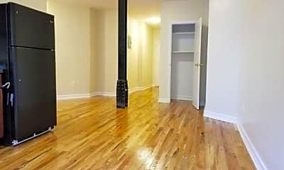 Living Room, 1275 Edward L Grant Hwy, 1
