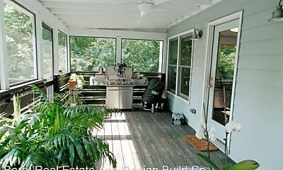 Patio / Deck, 862 Rosedale Ave SE, 2