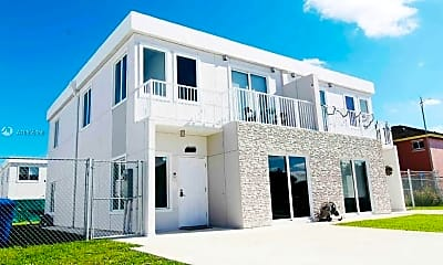 Building, 26167 SW 136 Ct, 1