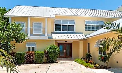 Building, 560 Reef Rd, 1