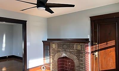 Living Room, 24 Light St, 1