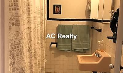 Bathroom, 52 Highland Ave, 2