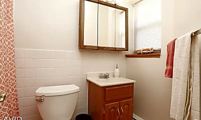 Bathroom, 3431 Dupont Ave S, 2