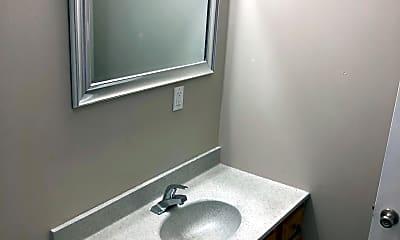 Bathroom, The Summit at Geyer Springs, 2