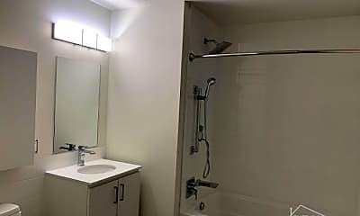 Bathroom, 8 Eckford St, 2