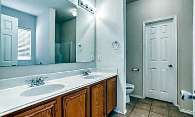 Bathroom, 3325 Truman St, 2