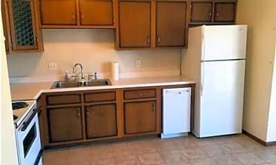Kitchen, 113-115 Linwood Dr., 1