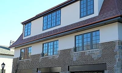 Building, 110 Main St 3F, 1