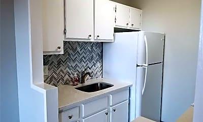 Kitchen, 140 Grove St 7A, 0