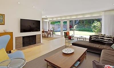 Living Room, 9512 Duxbury Ln, 0