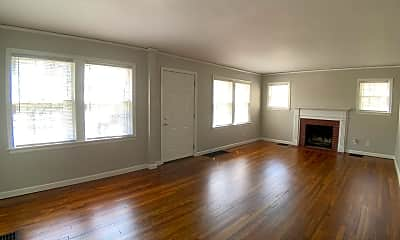 Living Room, 1005 Wheatley Ave, 1