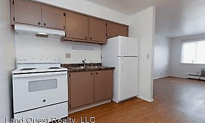 Living Room, 2420 Northwestern Ave, 2