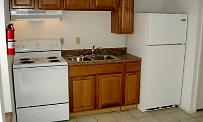 Kitchen, 1425 S Walnut St, 2