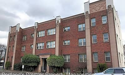 Building, 1530 NE 10th Ave, 2