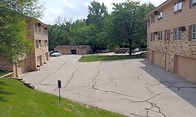 Cherokee Villa, 2
