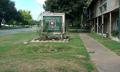 Magnolia Place, 1