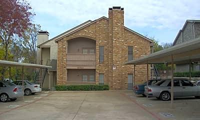 Building, 6760 Eastridge Dr, 1