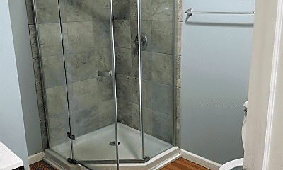 Bathroom, 116 Front St, 2