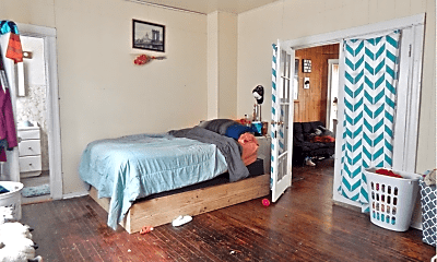 Bedroom, 312 S Chicago Ave, 1