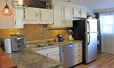 Kitchen, 67 Walker Ave, 1