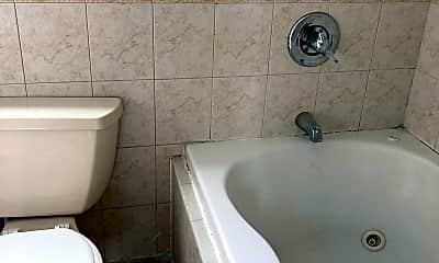 Bathroom, 72 Maryland Ave, 2