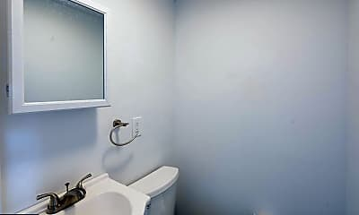 Bathroom, 1402 N 23rd St 2, 2