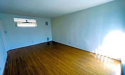Living Room, 1605 N Martel Ave, 1